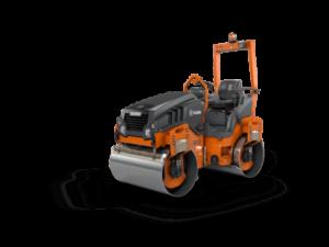 ROULEAU PV3 2t6 1200MM pour compacter les sols lors de chantiers en zone urbaine. Engin du BTP à louer dans les agences Nova Location des départements des Alpes-de-Haute-Provence, Hautes-Alpes, Alpes-Maritimes, Bouches du Rhône, Var, Vaucluse