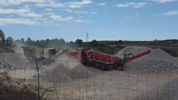 SCALPEUR 2 ÉTAGES 7.5m² pour les carrières, démolition, recyclage des matériaux de construction et de démolition à louer chez Nova Location de votre région : PACA, Provence Alpes Côtes d'Azur, Auvergne Rhône Alpes, Occitanie
