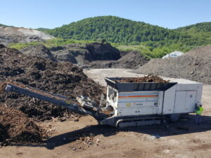 Le BROYEUR LENT traite de nombreux déchets, des déchets solides municipaux, déchets industriels et commerciaux ou encombrants. Il est à louer dans les agences Nova Location de votre région : PACA, Provence Alpes Côtes d'Azur, Auvergne Rhône Alpes, Occitanie