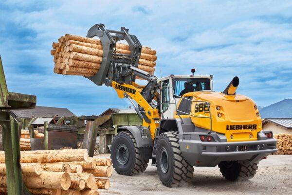 Chargeuse 4000L pour charger, déplacer plus de matériaux - à réserver pour la location dans les agences Nova Location des régions PACA, Provence Alpes Côtes d'Azur, Auvergne Rhône Alpes, Occitanie